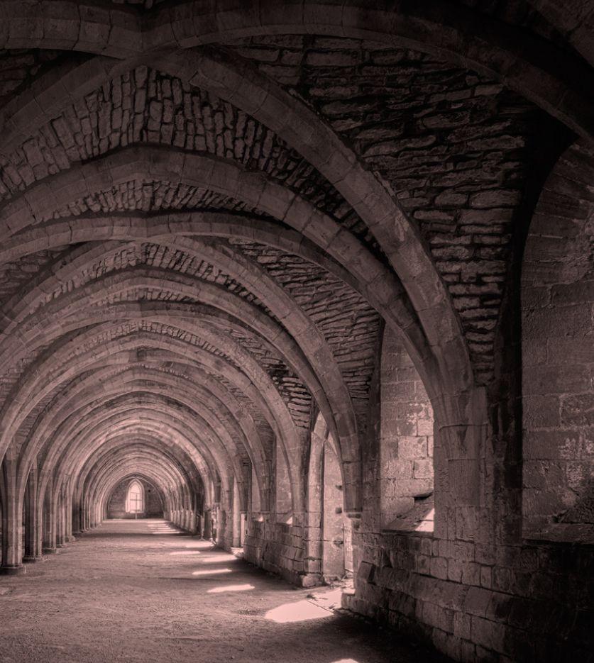 Arcos y bóvedas en piedra