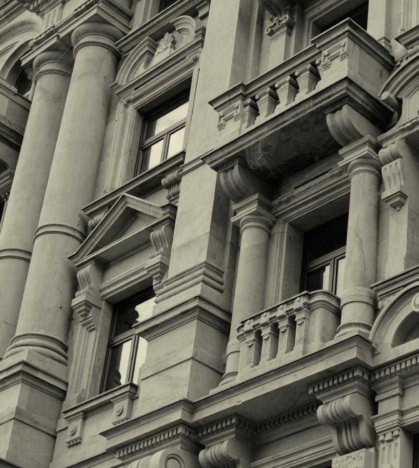 Fachada de un edificio clásico