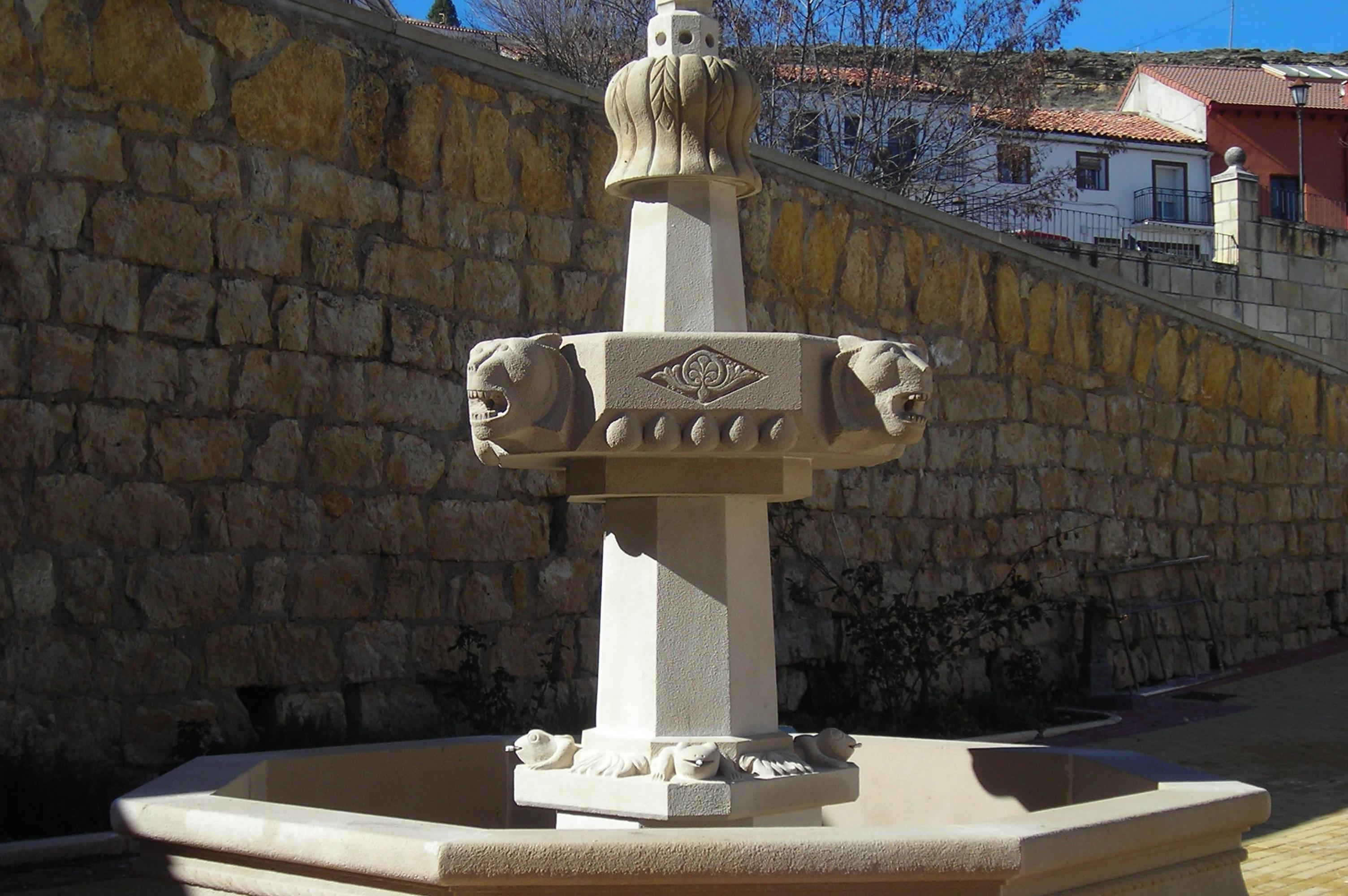 Fuente hecha con piedra por Construpiedra